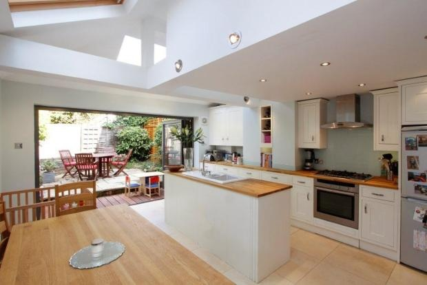 Kitchen/dining extension - good natural light
