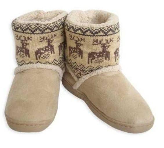 New Women Ankle Warm Boots Short Plush Ladies Snow Shoes. http://www.frezdeal.com/productdetails/816/new-women-ankle-warm-boots-short-plush-ladies-snow-shoes.html