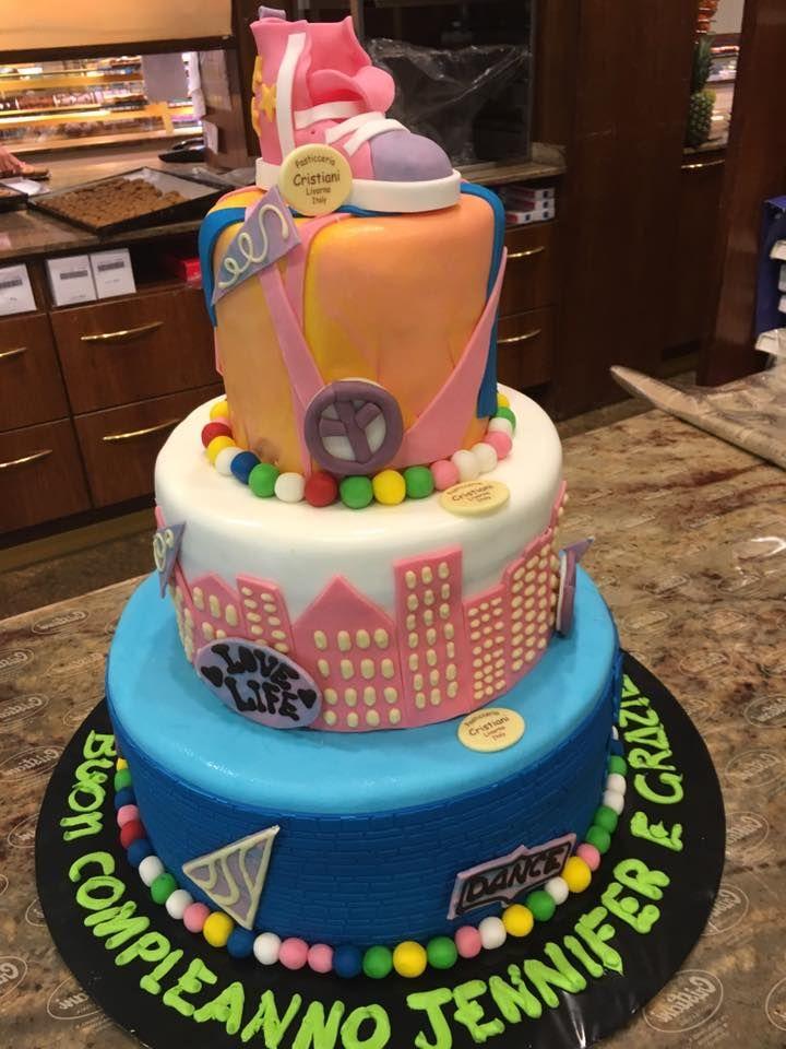 Torta originale per compleanno px75 regardsdefemmes for Torte di compleanno a due piani semplici