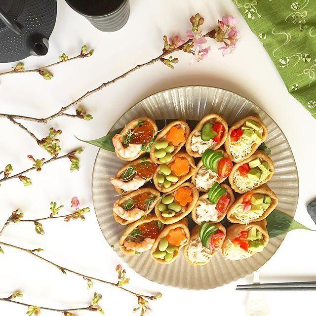 【eiko_indoor】さんのInstagramをピンしています。 《. 先週末 女子会に持って行った いなり寿司picで おはようございます♪ . トッピングは アボカド、チーズ、パプリカ ツナマヨ、キューリ、トマト 枝豆、人参、鶏そぼろご飯 イクラ、エビ、スプラウト . 友達っていいなぁ〜 楽しい時間をありがとう♥︎ . 今日は少し暖かくなりそうですね! 今週もよろしくお願いします* . . . #いなり寿司 #おうちごはん #和食 #クッキングラム ##cookingram #lin_stagrammer #food #elleatable #delistagrammer #tv_foodlovers #tv_stilllife #wp_delicious_jp #locari_kitchen #9vaga_shabbysoft9 #still_life_gallery #snap_ish #igersjp #cooking #今週もいただきます #花のある暮らし #桜》