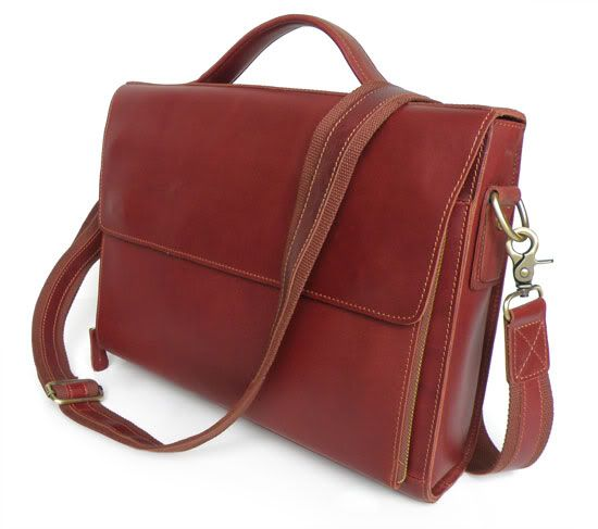 The sturdy design and high quality details makes for a durable bag that will age with grace.