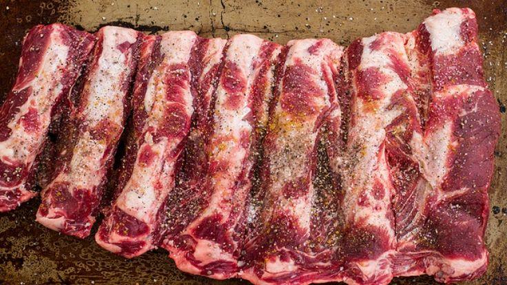 Rub per carne alla griglia e costolette di manzo. La ricetta originale americana