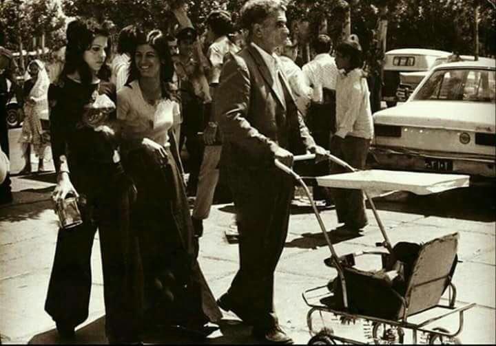 گردشی در خیابان در دهه 50شمسی  طهران# #تهران_قدیم #قدیمی #پهلوی #ایران #ایران_قدیم www.TehranAlef.ir