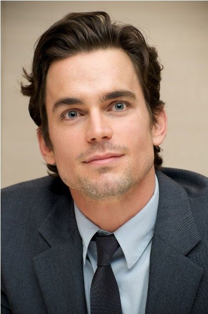 Matt Bomer Matt Bomer Age, Weight, Height, Measurements - Age in 2014: 37 (11 October 1977) -Weight in Pounds: 183lbs - Chest in Inches: 42 Inches - Waist in Inches: 33 Inches - Biceps in Inches: 18 Inches - Eye Color: Blue - See more; http://www.celebritysizes.com/matt-bomer-age-weight-height-measurements/