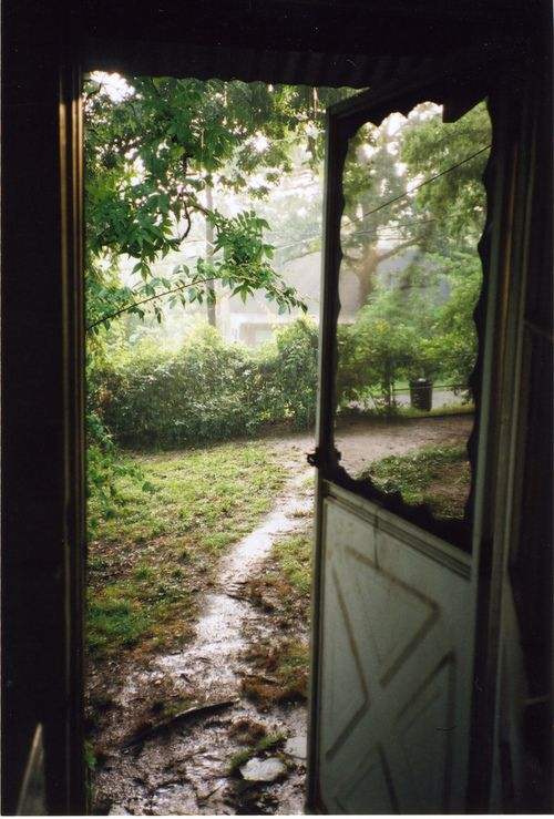 I love leaving the door open when its raining  The smell of fresh rain in50 best Rainy Day images on Pinterest   Rain  Windows and Rainy days. My House Smells Musty When It Rains. Home Design Ideas
