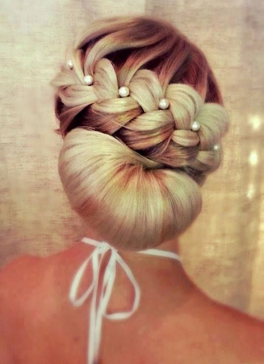 Isn't the soft braid part pretty (if u added a more tousled/fancier chignon to the part below)?  Love!  @Marlo Tiffany Tiffany Leach