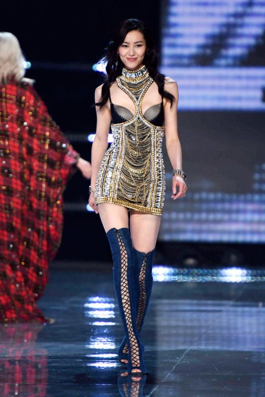 Liu Wen walks the runway at the 2017 Victoria's Secret Fashion Show on November 20, 2017 at Mercedes-Benz Arena in Shanghai, China.