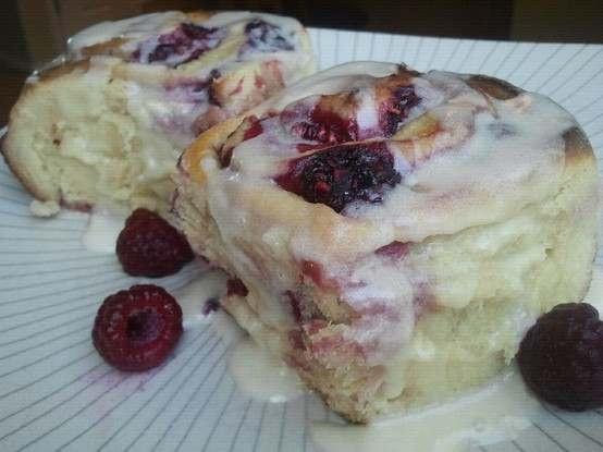 raspberry rolls with lemon vanilla icingFun Recipe, Cinnamon Rolls, Breads, Rasberry Rolls, Lemon Vanilla, Raspberries Rolls, Yummy, Baking, Vanilla Ice