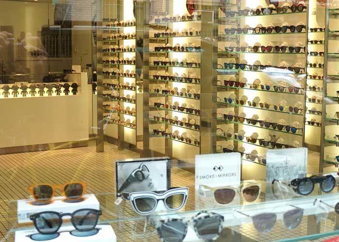 Atualizamos nosso guida de óticas em NY, com mais novidades quentíssimas para quem busca óculos exclusivos.