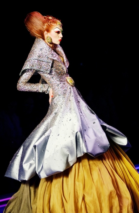 22 best fashion 2004 images on pinterest john galliano for Haute couture materials