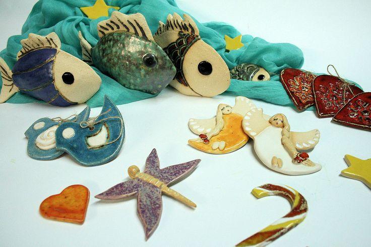 Aniołki i inne ciekawe drobiazgi ceramiczne.
