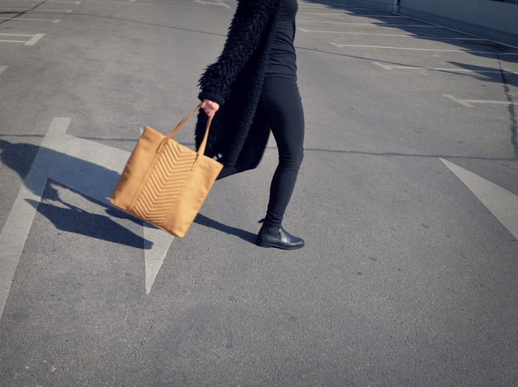 always on the run #shopperbag #beige #Re #Reserved