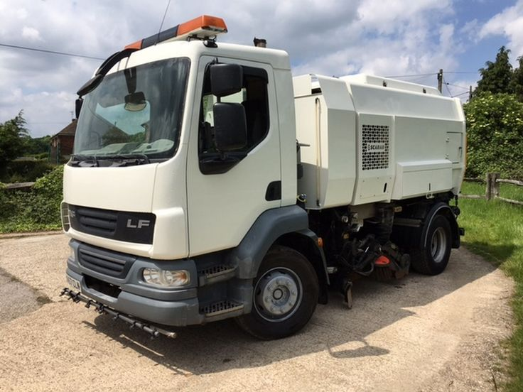 Scarab Mistral Roadsweeper