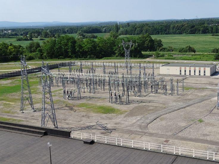 Une centrale hydraulique