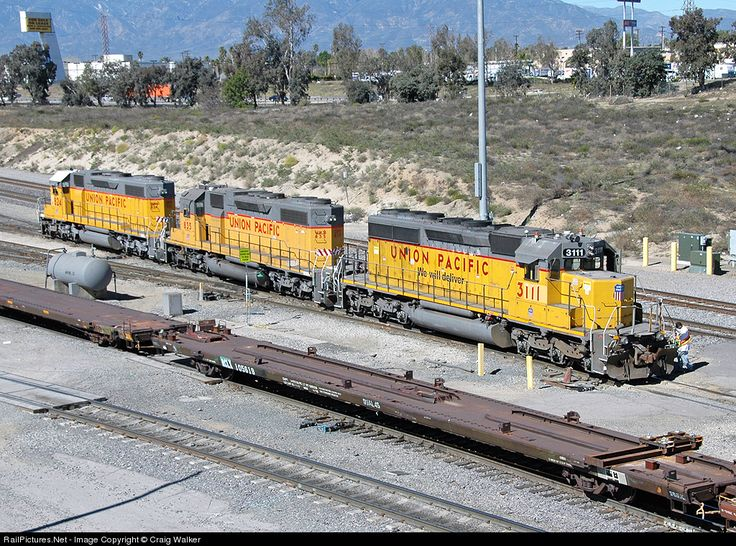 RailPictures.Net Photo: UP 3111 Union Pacific EMD SD40-2 at Bloomington, California by Craig Walker