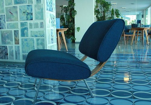 Gio Ponti - chair - but dig the wall and floor tile!