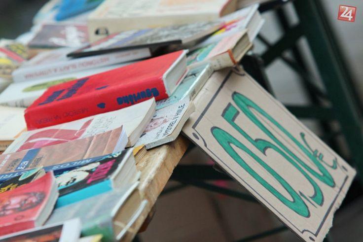 Priatelia, ak máte doma knihy, ktoré vám už poslúžili a boli by ste radi, aby z nich mali radosť aj ďalší čitatelia, stačí ich priniesť Mestskej knižnice.  http://bratislava.dnes24.sk/mate-doma-prebytocne-knihy-darujte-ich-mestskej-kniznici-226990