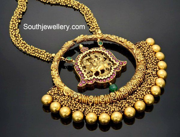 Antique Gold Nakshi Necklace with Heavy Pendant photo