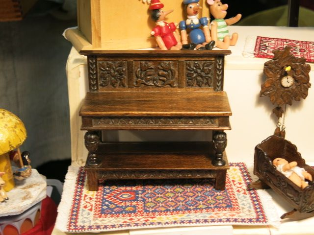 Miniature Enthusiasts of Toronto Show 2014 Hand-carved furniture and needlepoint rug by Laura Lisowsky