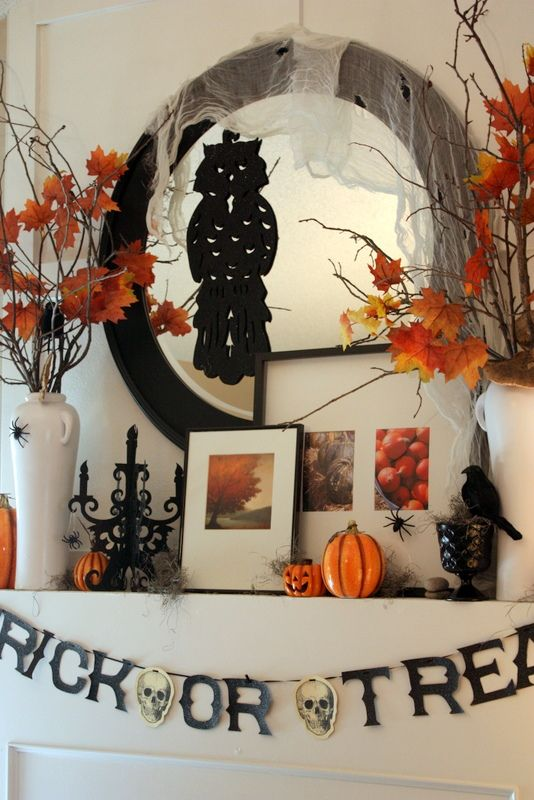 Trick or Treat Mantle