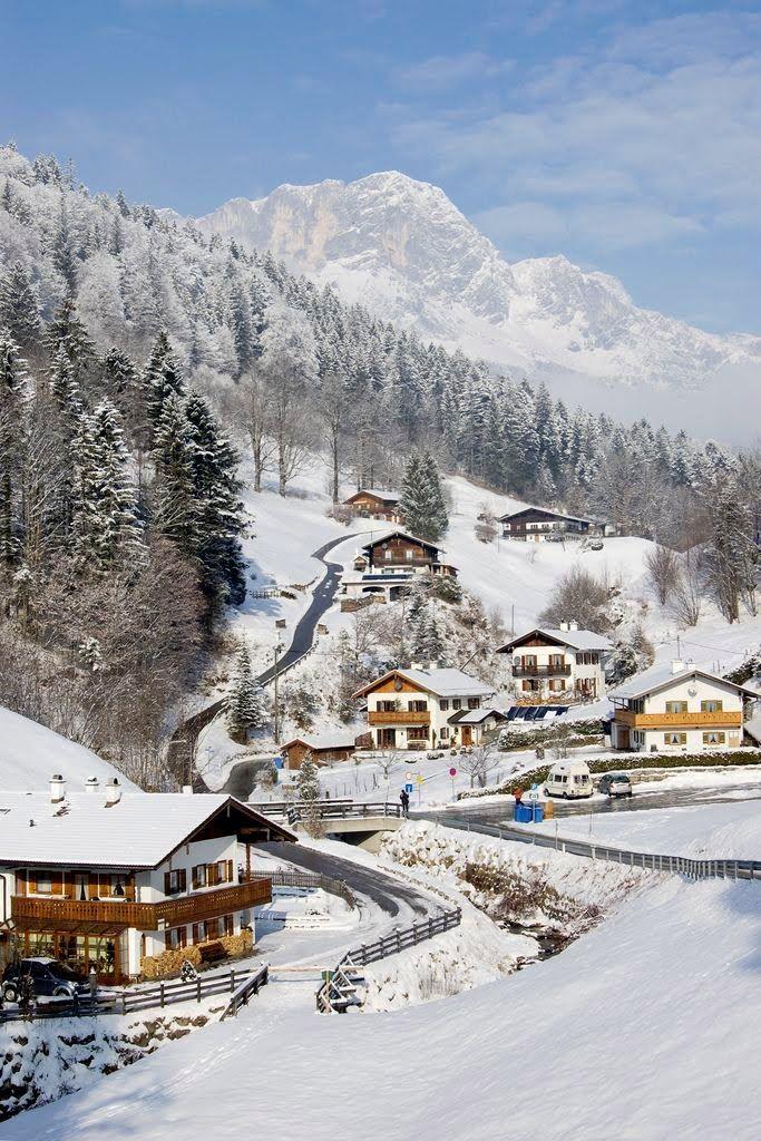 Schneeweißes Ramsau, Deutschland. Den passenden Koffer findet ihr bei uns: https://www.profibag.de/reisegepaeck/