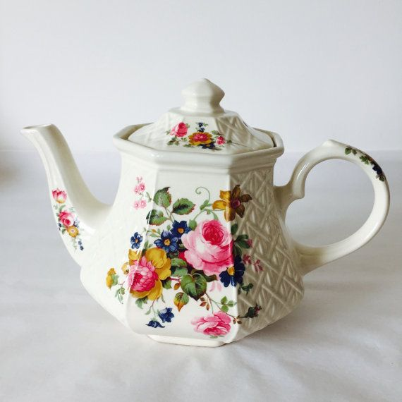 Sadler Tea Pot Pink Rose Flowers Cream White Teapot Vintage China Wedding Anniversary Gift Tea Set  Made in England for Afternoon Tea Party