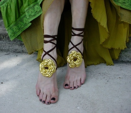 Barefoot Sandals Leather Flower Ankle Wrap Straps by ManoBello - StyleSays: Wraps Straps, Leather Flower, Sandals Leather, Ankle Wraps, On Barefoot Sandals, Flower Ankle, Styles, Bootstrap Gold, Straps Bootstrap