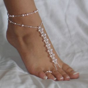 barefoot sandals for the bridesmaids {thanks, @Ashleigh {bee in our bonnet} mcintyre}