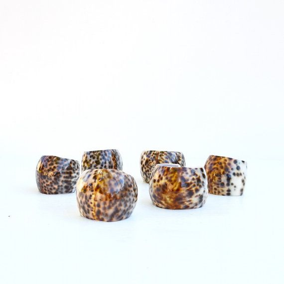 Shell napkin rings natural set of 6 vintage  by AGardenCottage, $22.99