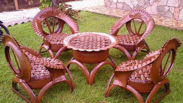 Набор садовой мебели. Фото с сайта youtube.com