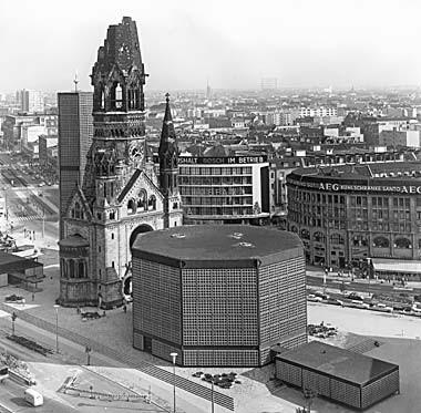 Kaiser-Wilhelm-Gedächtnis-Kirche  by Egon Eiermann