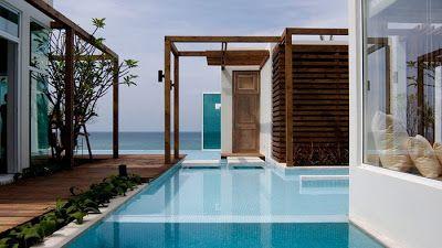 Casas minimalistas y modernas piscinas en patios for Piscinas minimalistas