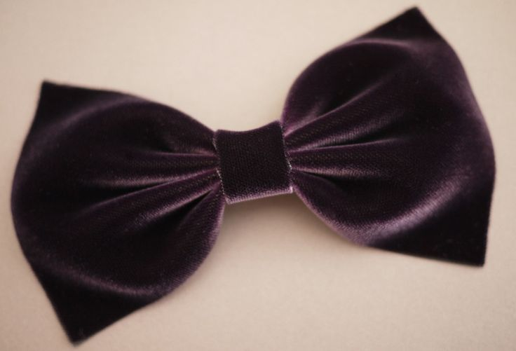 DIY Velvet Bow Tie. Super easy! Also works with felt and fabric. I whipped one up right before a tie party and it worked perfectly.