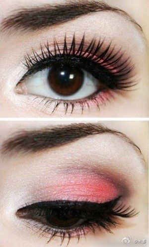 I don't normally like colored eyeshadow, specially pink. But this is so cute, reminds me of like pink lemonade.