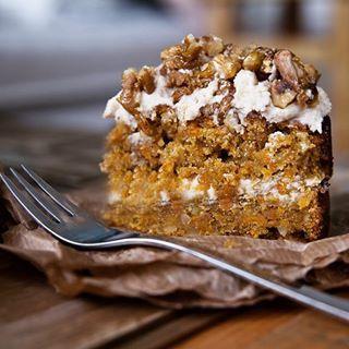 Ein schneller und einfacher Kürbis Kuchen, vegan natürlich. Schmeckt himmlisch…