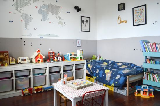 Love les rangements pratiques / la couleur en deux parties sur les murs et le chouette stickers