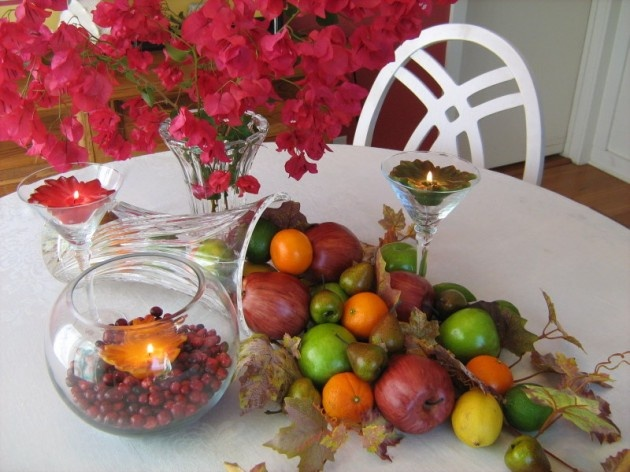 "Cathy blogged about some quick crafting tips.""On a dining table, I turned a large crystal vase, an anniversary gift from my husband, on its side and added fruit on top of leaves to make a cornucopia."": Table Decorations, Fall Tables Sets, Fall Decoration, Crystals Cornucopia, Anniversaries Gifts, Crystals Vases, Tables Decoration, Large Crystals, Dining Tables"