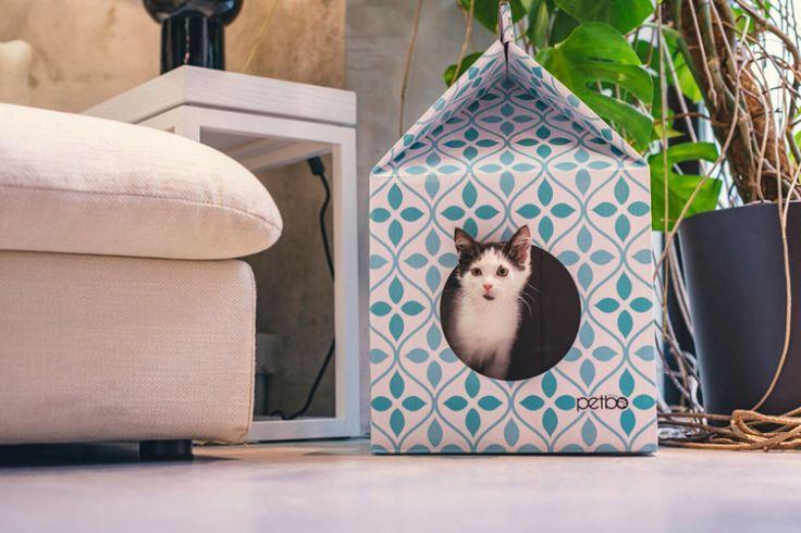 Que tal um casinha para o seu gatinho diferente e divertida? Coloridas e de linhas simples, as casinhas parecem grandes caixas de leite.