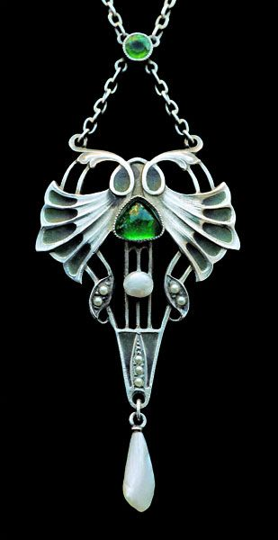 CARL HERMANN Jugendstil Pendant Silver Plique-à-jour enamel Chalcedony Pearl