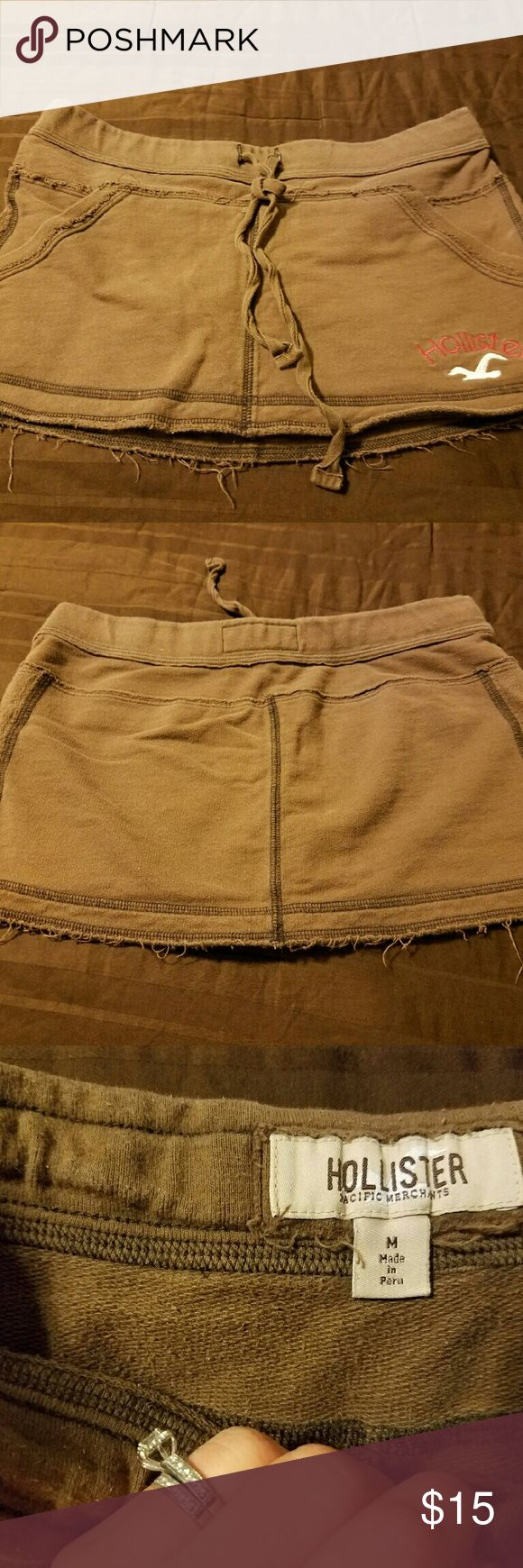Hollister skirt Brown Hollister skirts cute and comfy! Size small Hollister Skirts Mini