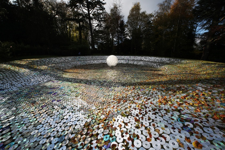 Blue Moon on a Platter at Waddesdon by Bruce Munro. ©Bruce Munro 2012.  Photo by Mark Pickthall