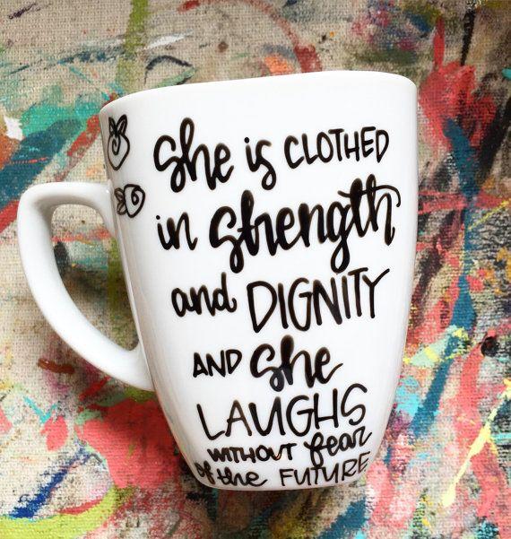 Christian Coffee Mug - Mug peint à la main - Proverbes 31-Bible verset Mug cadeau de Noël