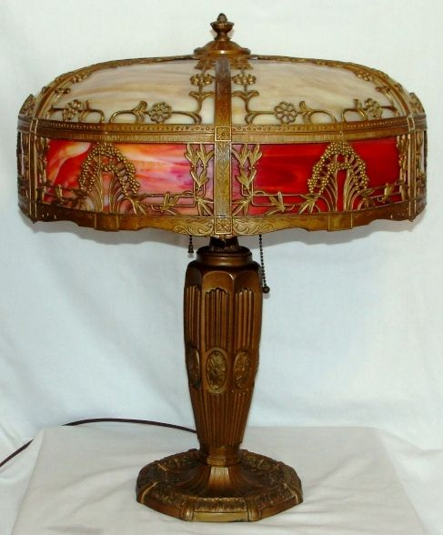 Caramel and red bent slag glass table lamp
