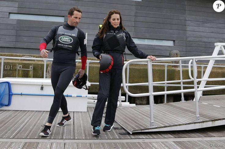 Kate Middleton a profité de sa visite de soutien au 1851 Trust à Portsmouth le 20 mai 2016 pour embarquer avec Ben Ainslie et son équipage (Ben Ainslie Racing) à bord du Solent, pour un entraînement en vue de la Coupe de l'America 2017.