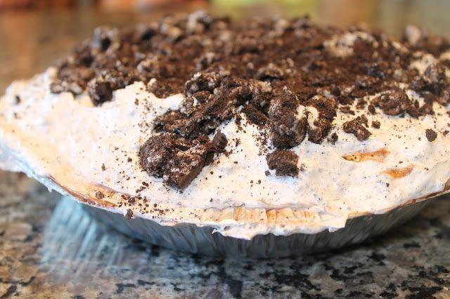 Simple 6 Ingredient Oreo Pie – Dessertrezepte – #Dessert #Ingredient #Oreo #P …   – Torten Ideen