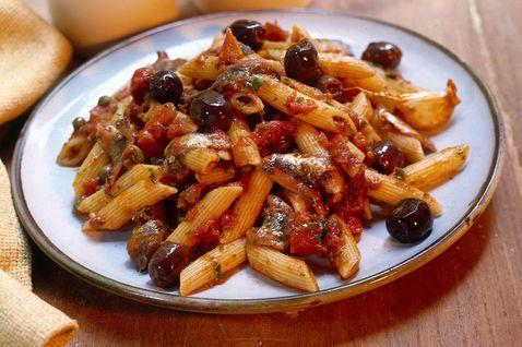 Penne fredde con olive e capperi