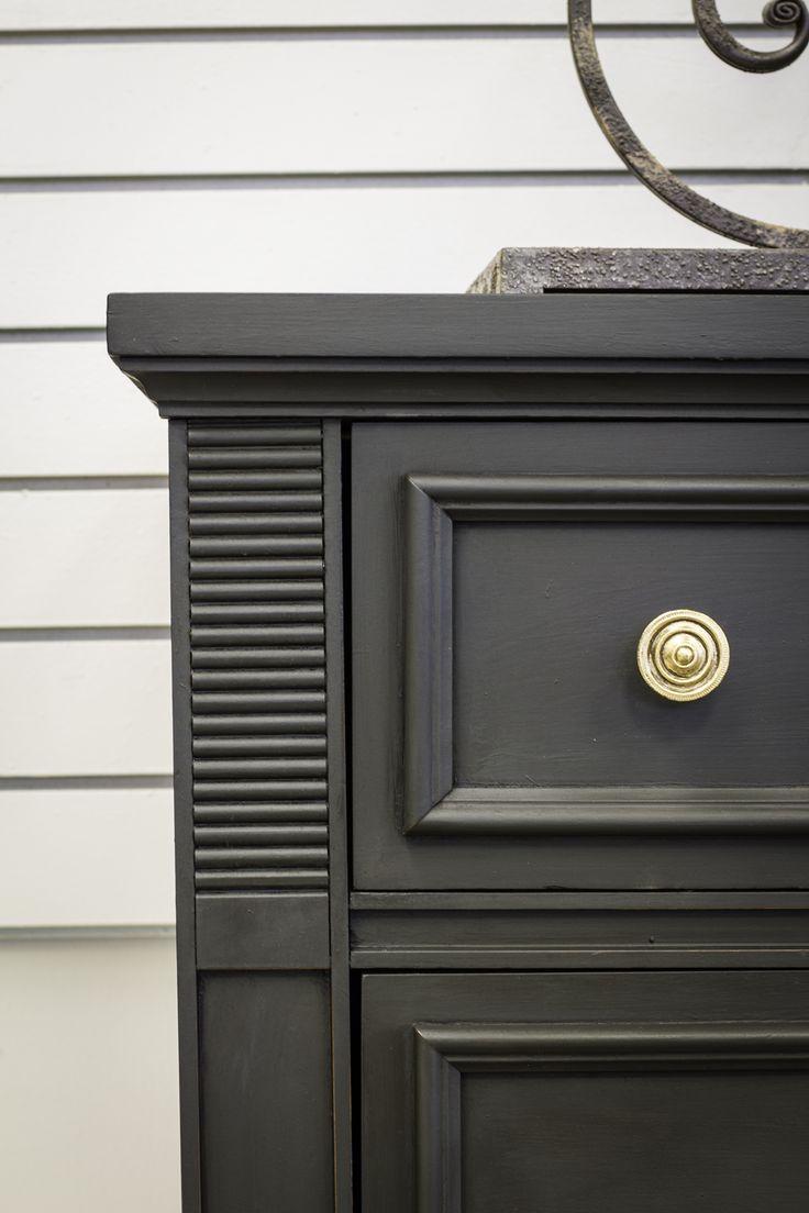 Dresser Close Up With Graphite Chalk Paint® Decorative Paint By Annie Sloan  | Project