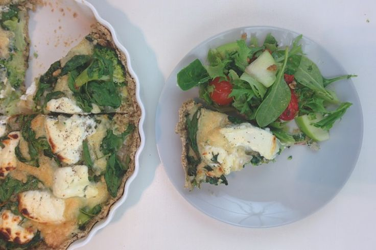 This healthy, gluten free, low calorie broccoli quiche with a basil-oatmealcrust is the best! Vegan option below. Recipe in English and Dutch. No more pastry or full fat cream!
