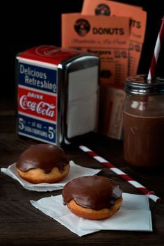 Jaleo en la Cocina: Made in USA: Boston Cream Donuts