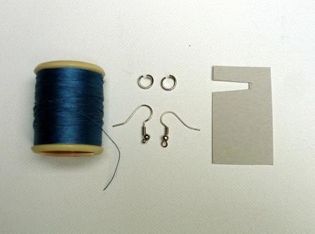 DIY : des boucles d'oreilles pompon